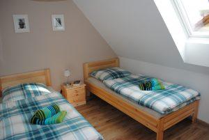 Schlafzimmer (60)